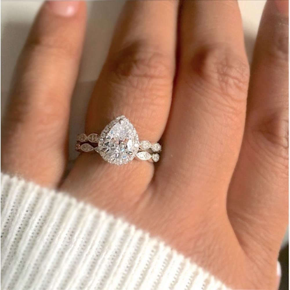 Pear Cut Cubic Zirconia Ring Bridal set